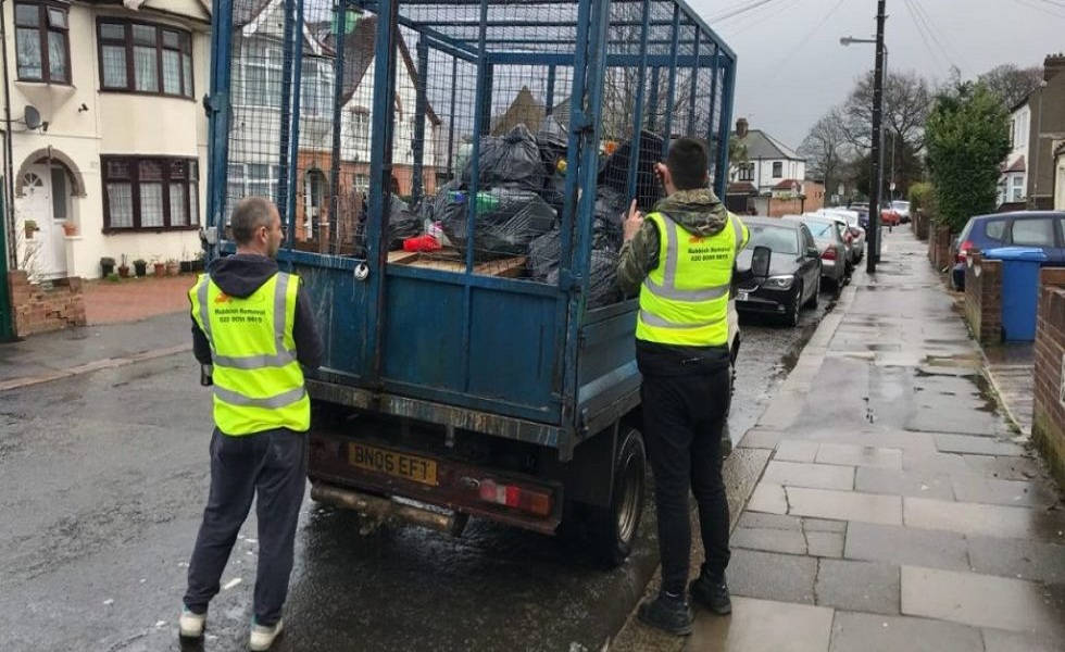 Benefits of Hiring a Waste Removal Company